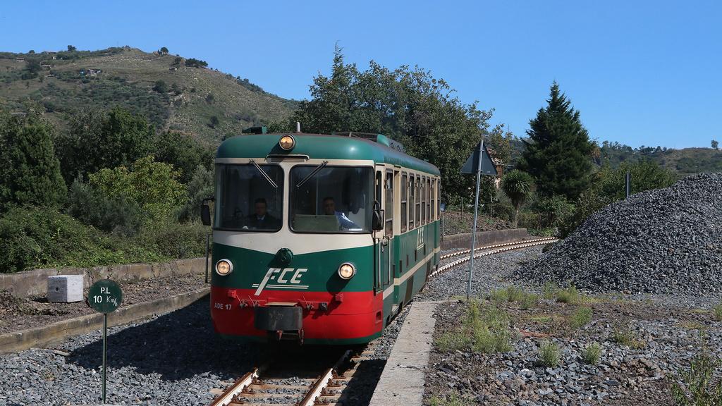 ADe17  Ferrovia Circumetnea Terremorte
