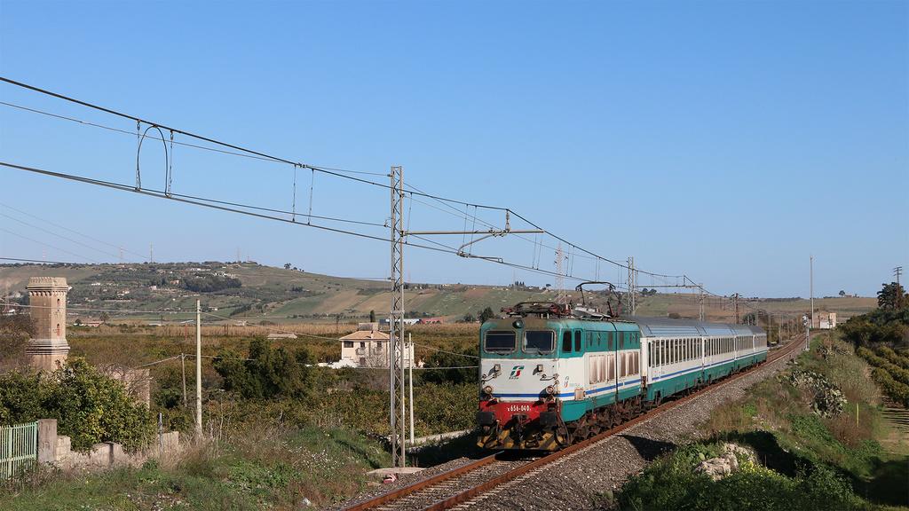 E656 040 Lentini IC 724