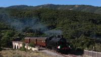 Il secondo giorno, la composizione del treno a vapore viene aumentata di 1 carrozza, in ingresso sul viadotto di Cansano, dal basso