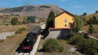Dopo la sosta a Rivisondoli la 940.041 riparte in direzione Roccaraso