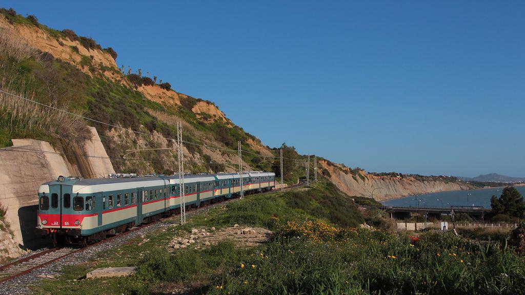 9. ALn668 Porto Empedocle