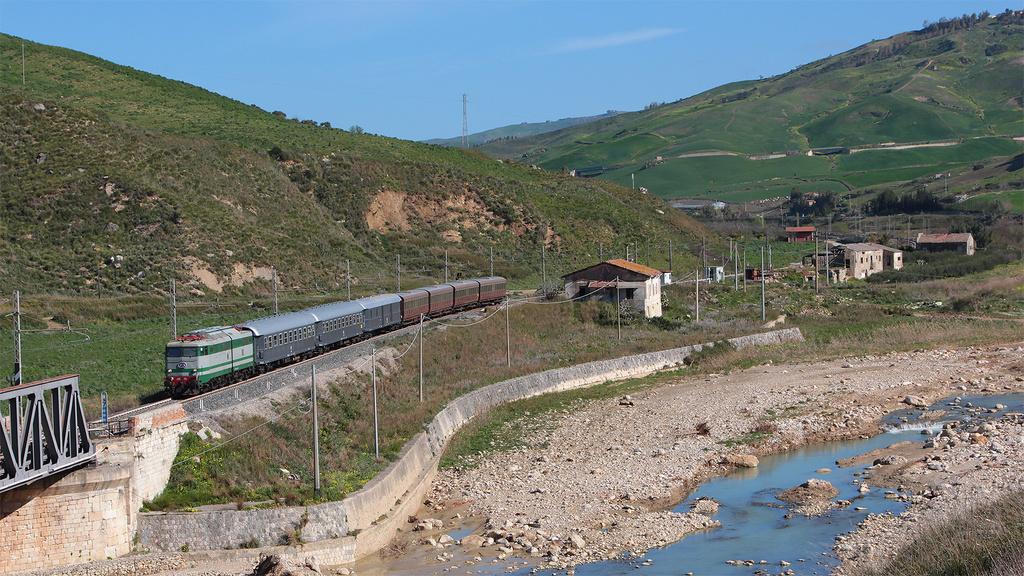 E646 196 Acquaviva-Casteltermini