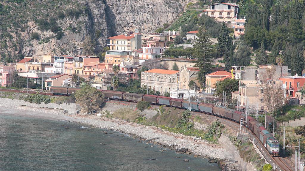 E656 457 Taormina-Giardini
