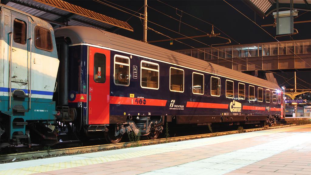 Carrozza Intercity Notte Firenze Campo di Marte