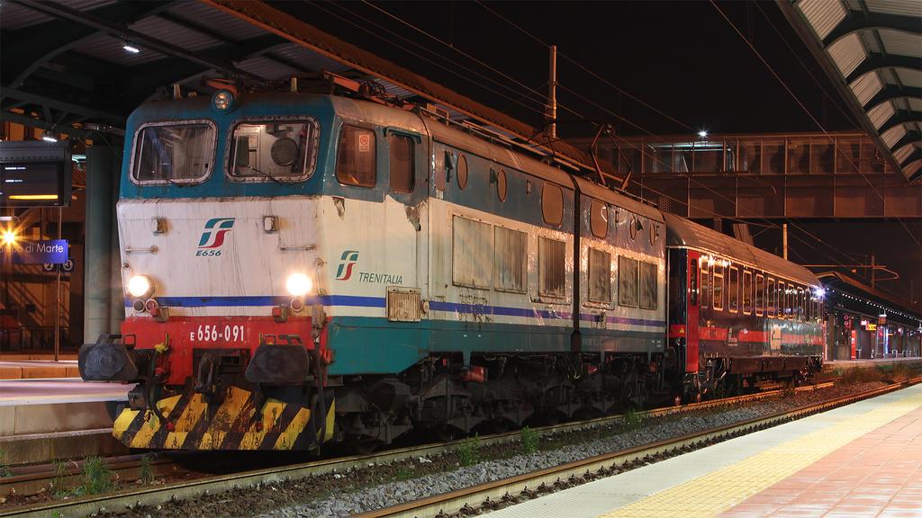 E656 091 Firenze Campo di Marte IC Night