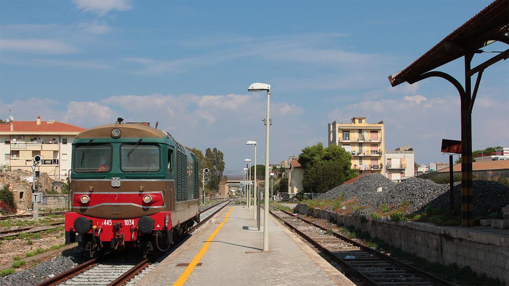 D445 1034 Vittoria Stazione