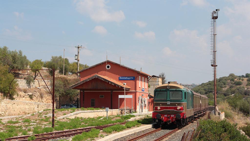 D445 1034 Donnafugata Stazione