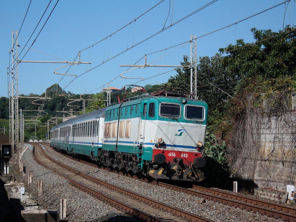 E656 043 Carrubba IC 722