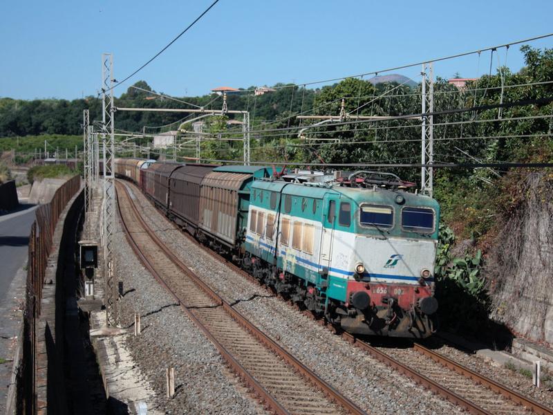 E656 008 Carrubba