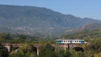 ... secondo scatto per la ALn668 1848, ripresa durante il viaggio di ritorno da Avellino a Benevento, sul celeberrimo ponte ad archi di Altavilla Irpina.