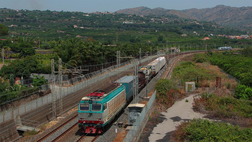 E632 022 e Ale501 054 Fiumefreddo di Sicilia