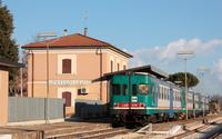 Il breve viaggio da Corridonia si conclude nella stazioncina di Montecosaro.