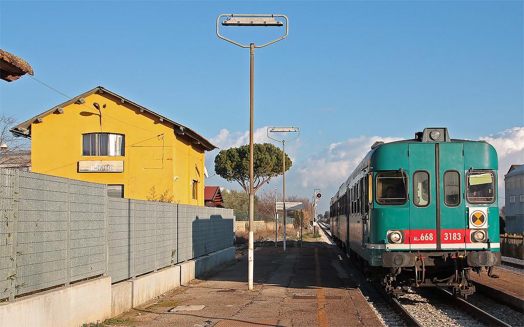 ALn668 3183 e altra unità a Montecosaro