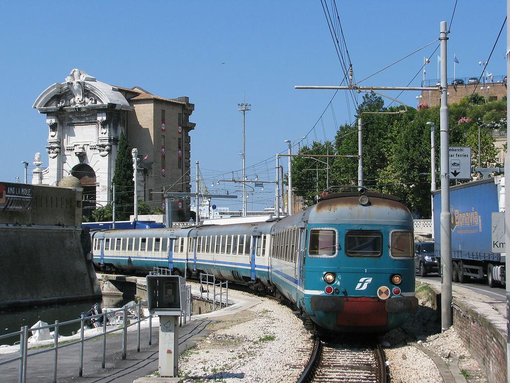 ALe841 Treno 2 Ancona Marittima
