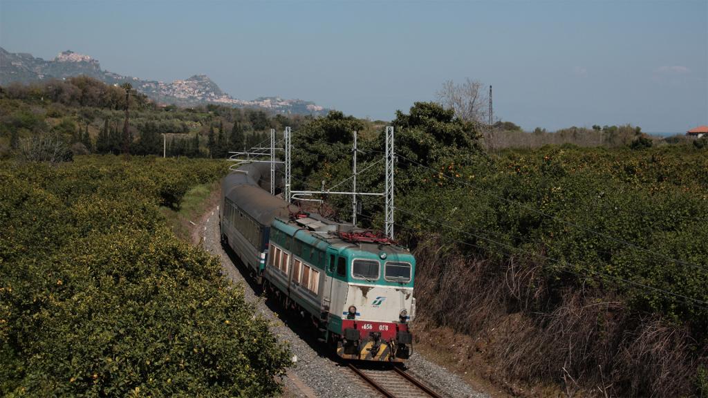 E656 028 Fiumefreddo di Sicilia