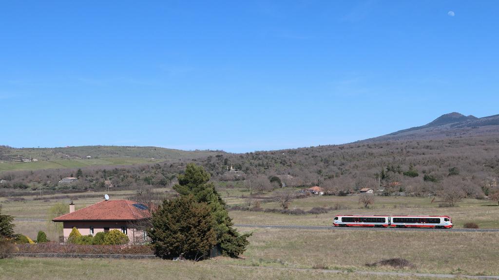 Vulcano DMU 003 Ferrovia Circumetnea rettilineo Roccacalanna
