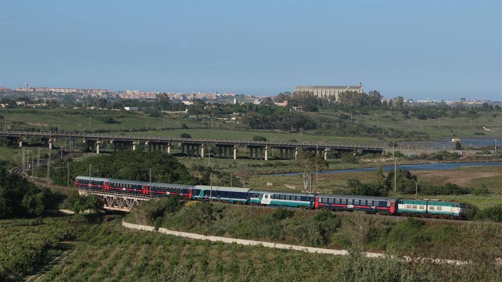 E656 093 Augusta Intercity Notte Milano Centrale - Siracusa