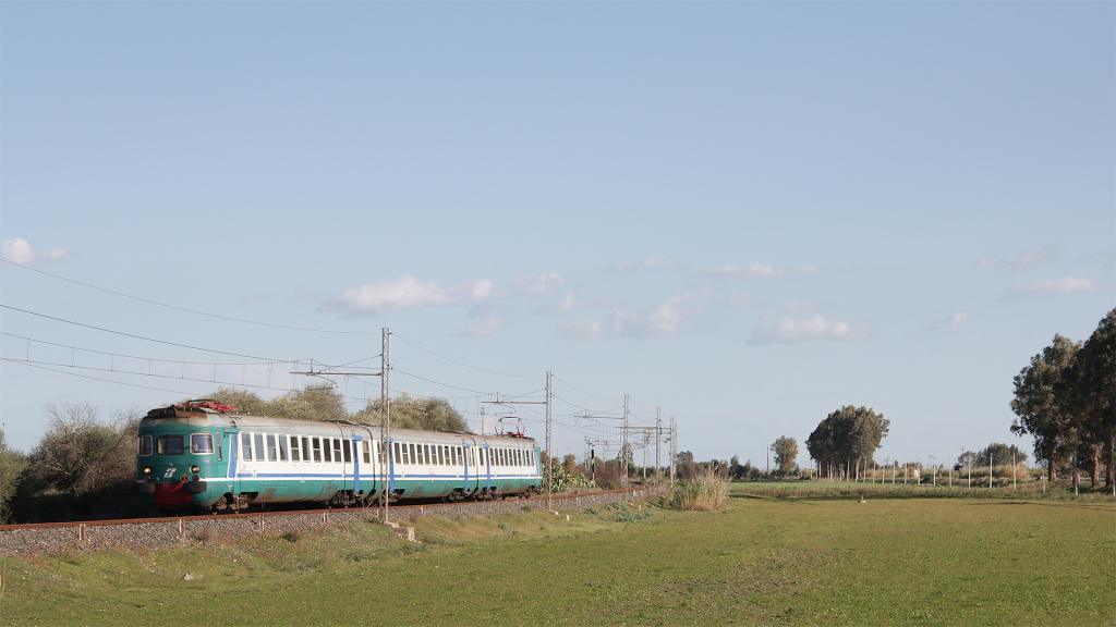 ALe841 Treno 16 Portiere Stella