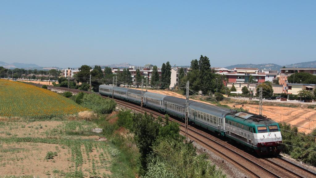 E444 043 Porto Recanati