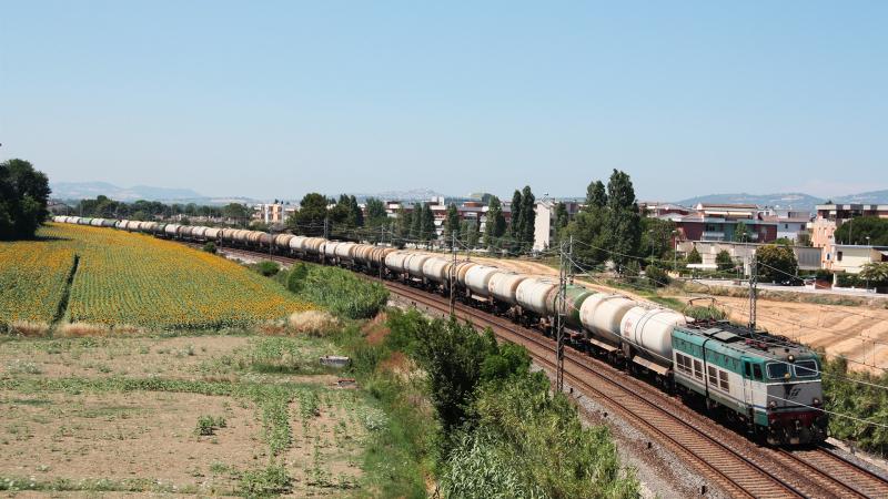 E656 071 Porto Recanati