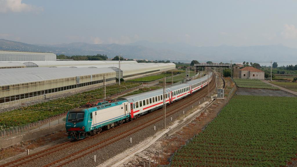 E464 618 Carruba Intercity 722