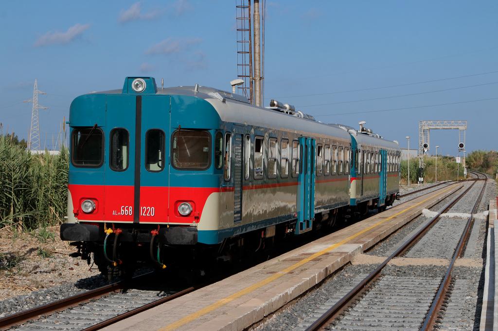 ALn668 1220 e 1224 stazione di Paceco