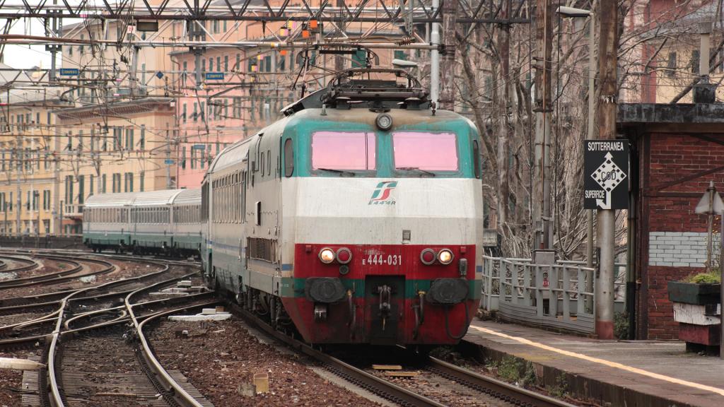 E444 031 Genova Sampierdarena