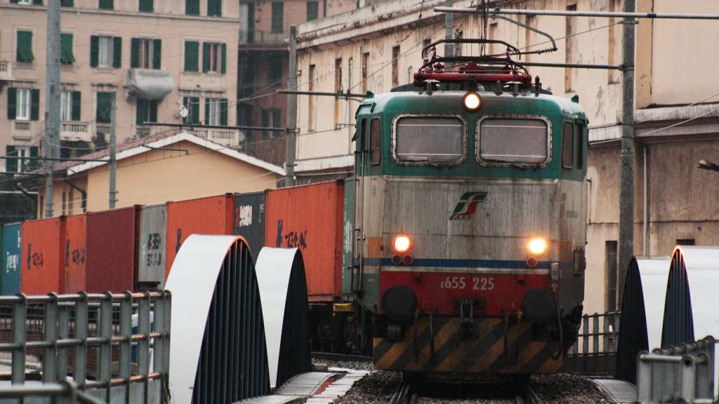 E655 225 Genova Sampierdarena