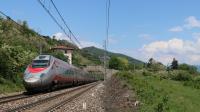 ETR 600 in livrea Trenitalia in salita sulla linea del Sempione, in località Lesa