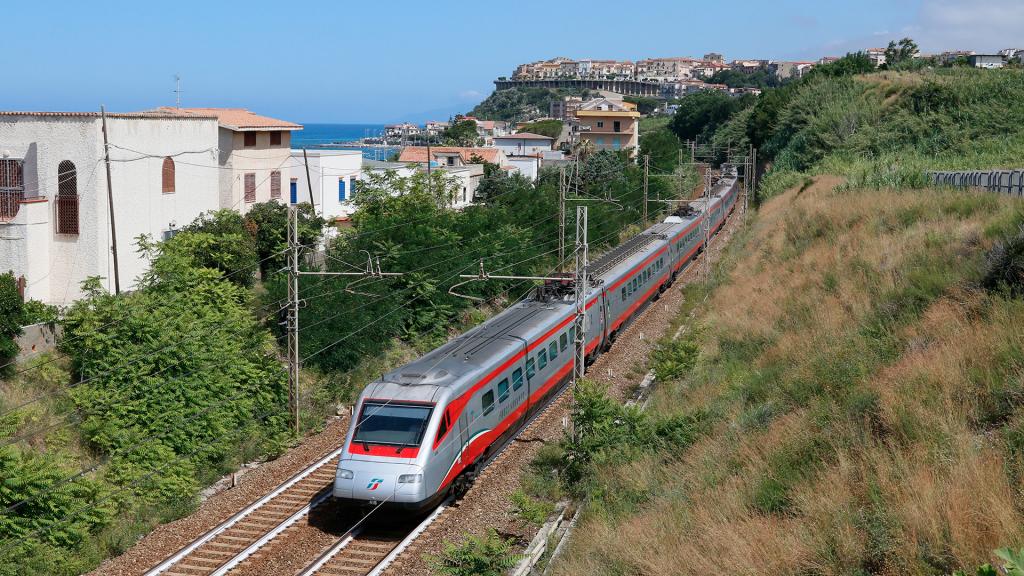 Etr 485 treno 41 San Lucido Marina