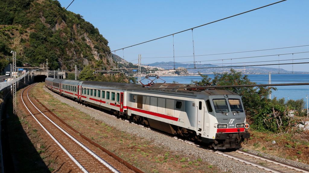 E401 040 Favazzina