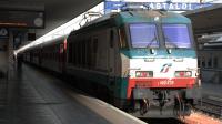 La E402 039 in sosta a Bologna Centrale con l