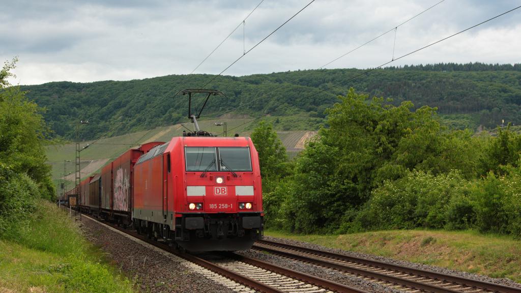 DB 185 258 Osterspai