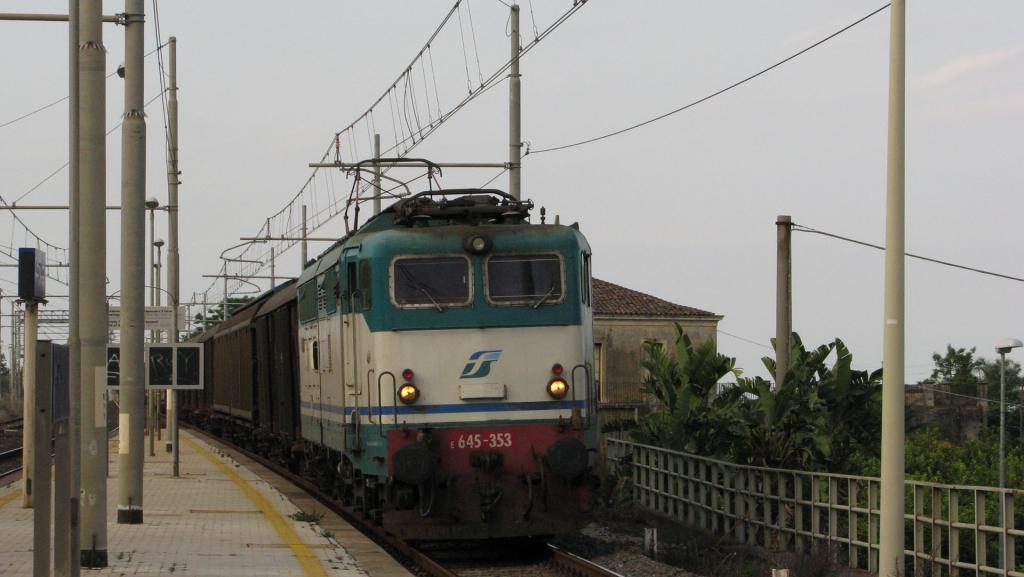 E645 353 Carrubba